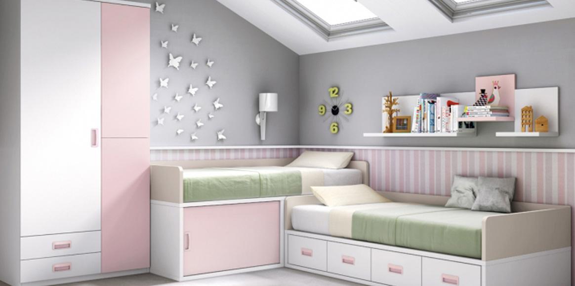 Compactos con dos camas y armario, con almacenaje extra en los compactos.