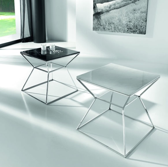 Mesas auxiliares que se acoplan a cualquier rincón y de mucho diseño