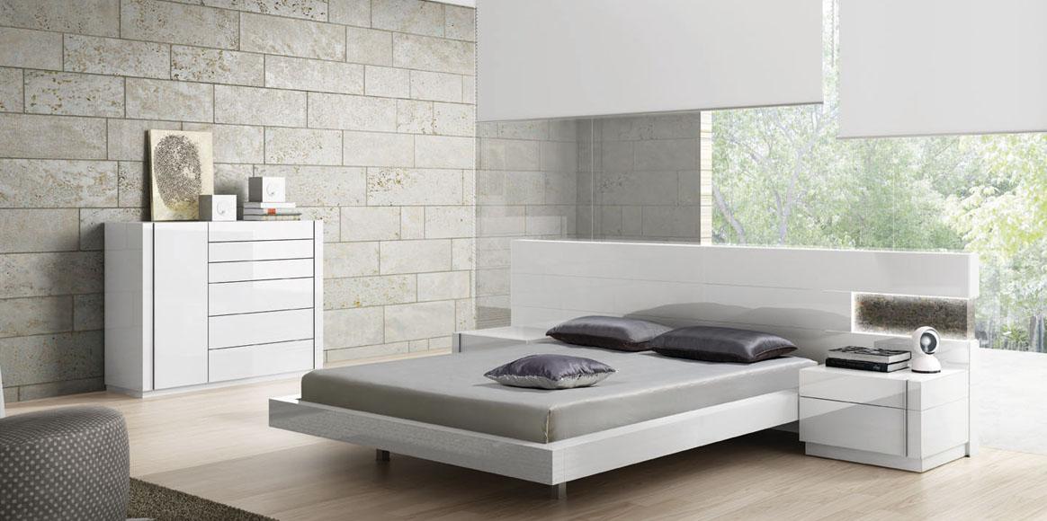 Dormitorio adaptable en cuanto a medidas, con posibilidad de diferentes acabados